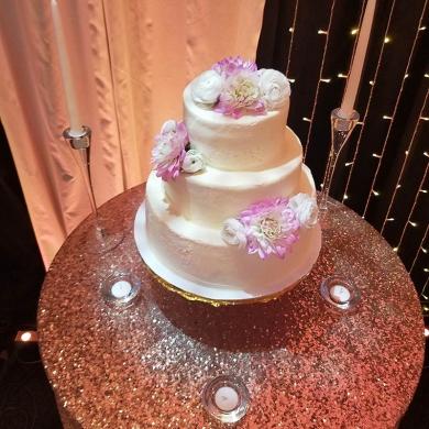 the-spouse-house-cake
