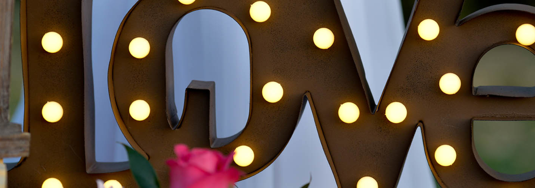 large-love-light-marquee-sign